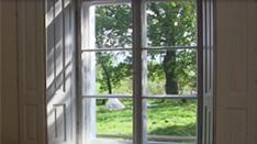 Widok z okna w Domu na Wzgórzu w Krzyżowej