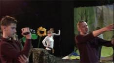 Des élèves de Cracovie (Pologne) filment des acteurs non-professionnels qui s'engagent pour diverses causes