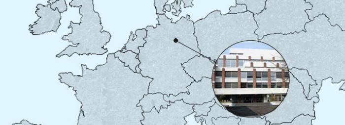 Europakarte mit Berlin und dem Französischen Gymnasium heute