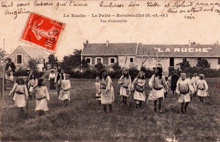 La Ruche, ein modernes Internat in Frankreich vor 100 Jahren